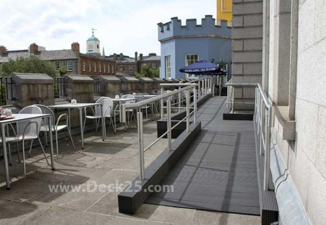 Dublin-Castle--Aug2012-029-decking
